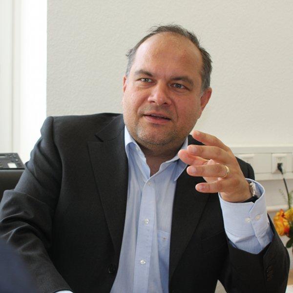 Dr. Elmer Lenzen